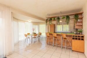 Nr. 7 Trijų miegamųjų prabangūs apartamentai su virtuve, atskiru įėjimu iš kiemo